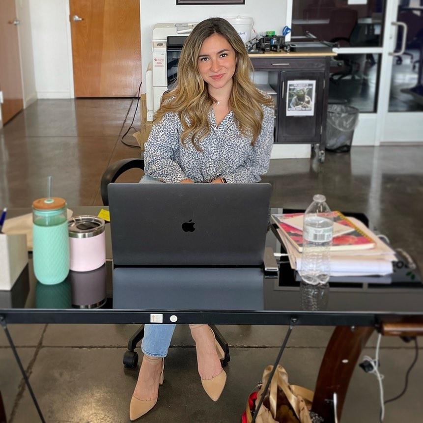 Marcela Banda: MileOne Marketing Coordinador
